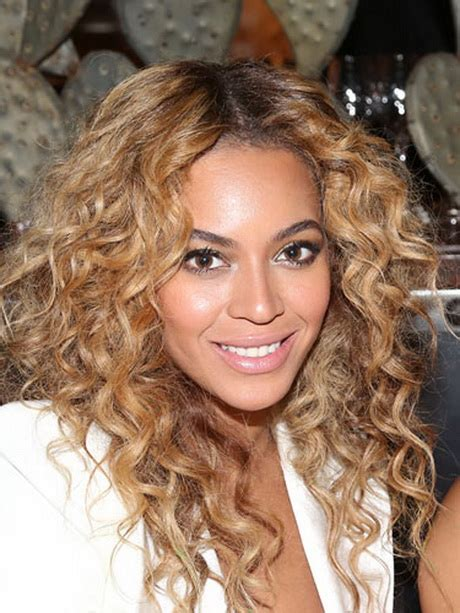 curly hair hairstyles picture 10