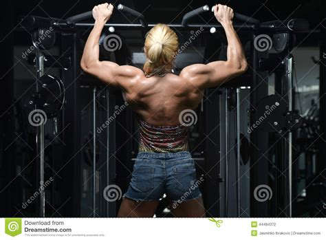 women heavy weight muscle morphs picture 10