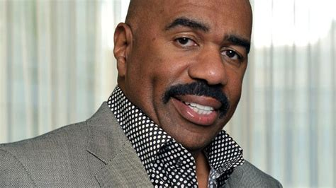 steve harvey is starting to get face wrinkles picture 10