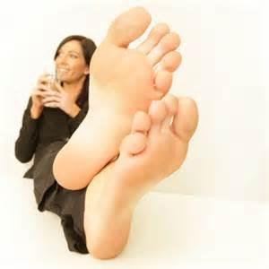 woman long soles comparison picture 5