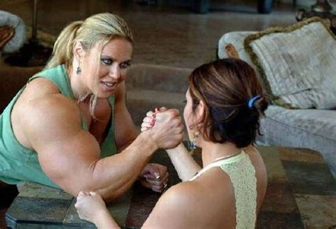 muscle wrestling women picture 1