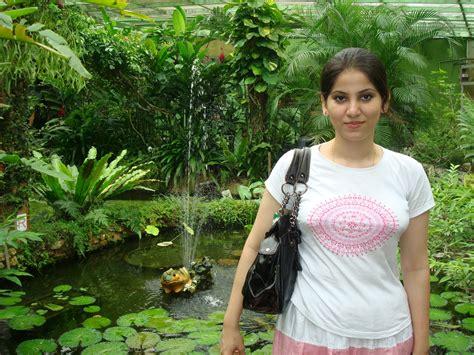 bhabhi ke breast doodh se bhare the picture 11