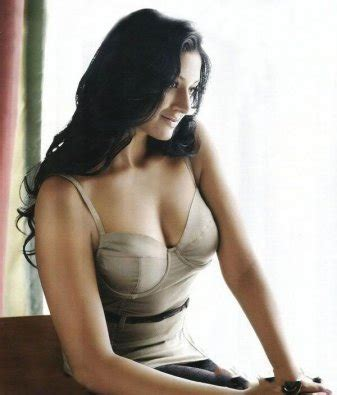 indian women busty back pic. peperonity files picture 10