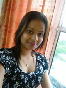 south indian good looking aunties picture 14