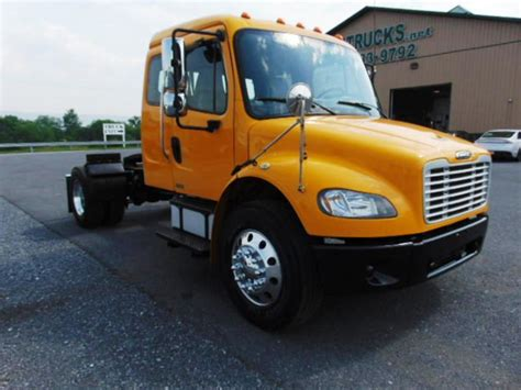 used single axle extended sleeper tractors for sale picture 7