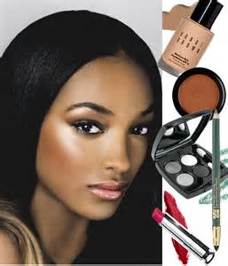 applying make up dark skin picture 1