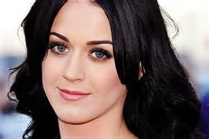 Black hair that complement pale skin picture 2