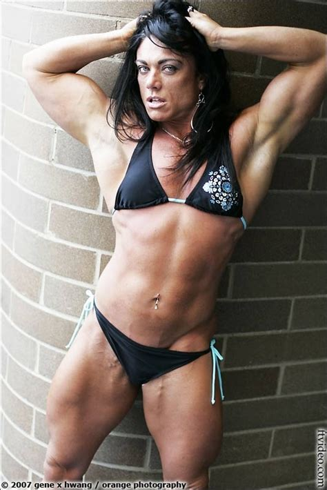women muscle wrestling picture 1