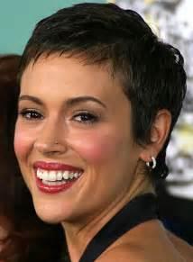 alyssa milano short hair picture 7