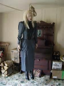 life of debauchary women hanged picture 6