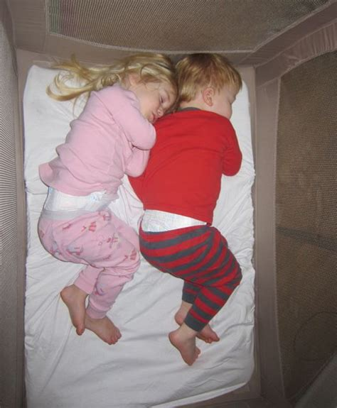 can i sleep twins in the same crib picture 15