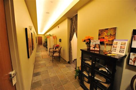skin deep beauty salon & clinic picture 7