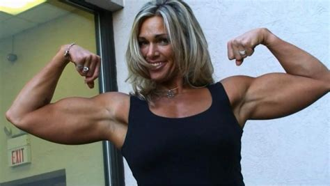 female bodybuilders lifts and carries picture 6