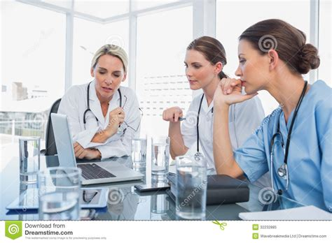 watch women doctor picture 7
