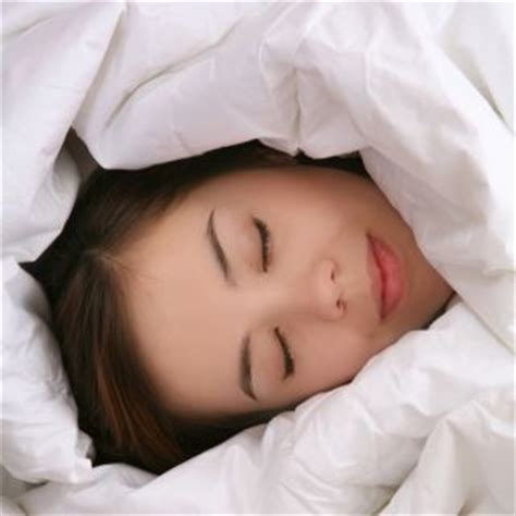 dangers of s sleeping under the blankets picture 11