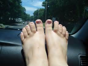 plump feet picture 3