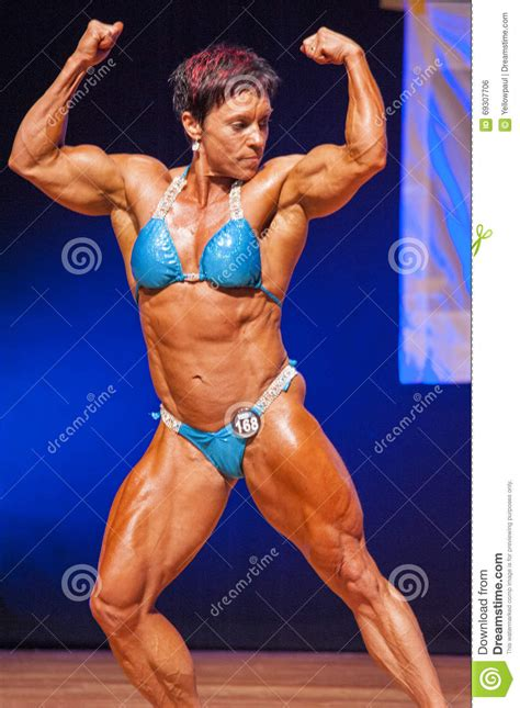 female muscle show picture 3
