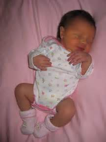 3 weeks old baby sleep all day picture 2