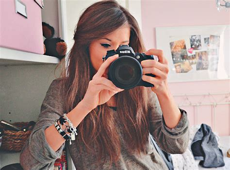 camera girl hair picture 2