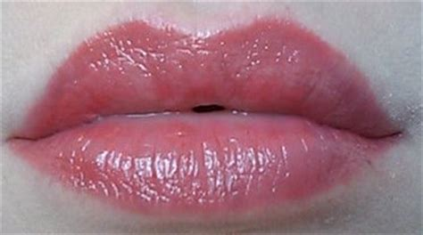 Hot wet lips picture 9
