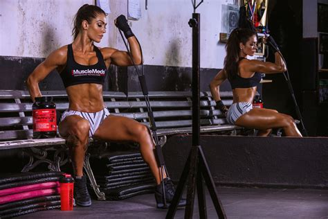 female muscle fitness models picture 9