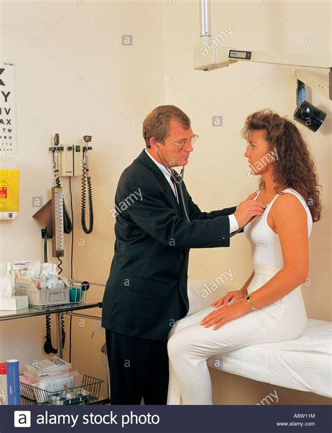 free pics female doctor male patient picture 8