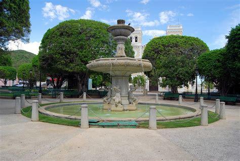 plaza de recreo cristobal colon pics picture 1