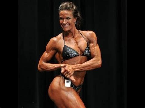 female bodybuilder for muscle posing sessions picture 6