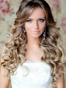 hair down curly for prom picture 10