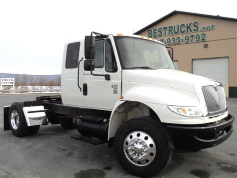 used single axle extended sleeper tractors for sale picture 1