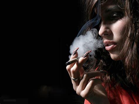 girls smoke marijuana picture 7