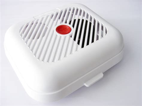 what is a smoke detector picture 18