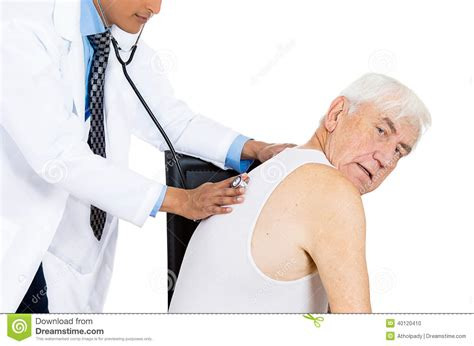 female doctor performing physical picture 7