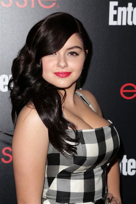 alex modern family breast size picture 14