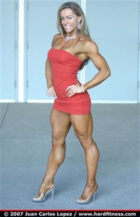 akila pervis ebony muscle picture 2