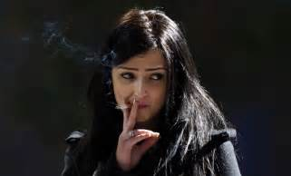 women that smoke methel cigarettes picture 9