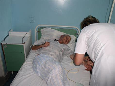 asistente de spital care se fut picture 12