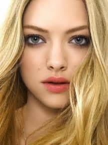 two different colored lips picture 13