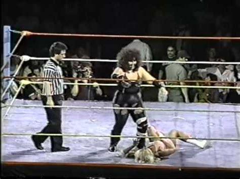 monster women wrestling picture 10