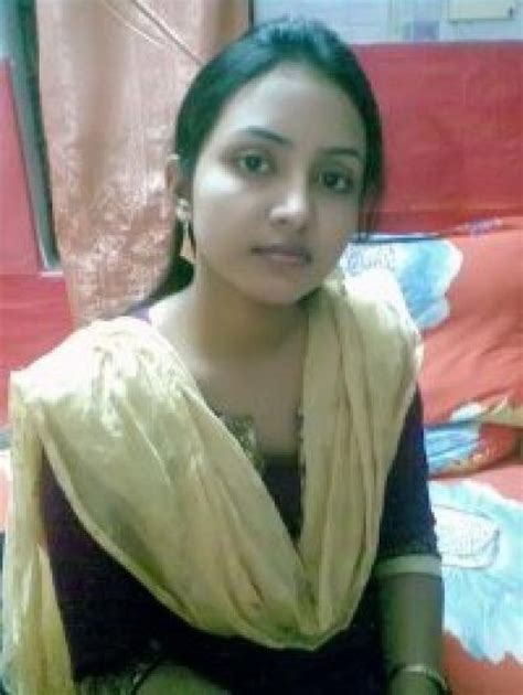 indian desi aunty hot spot picture 15