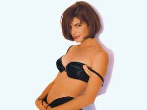 Courtney cox short hairstyles from the 90s picture 11