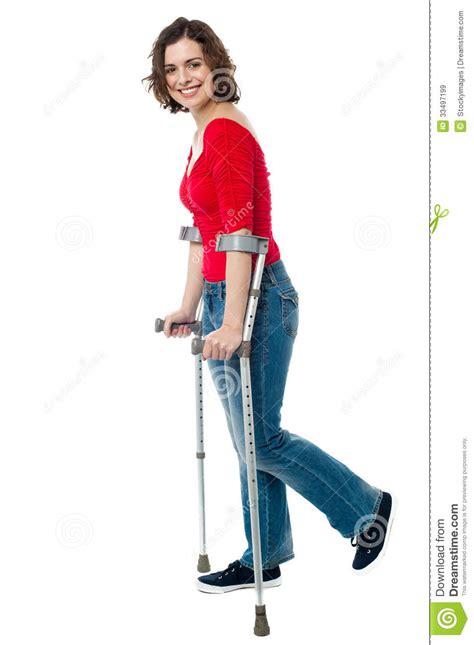 women crutching picture 15