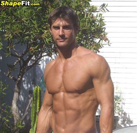 febuary 2015 male fitness model picture 6