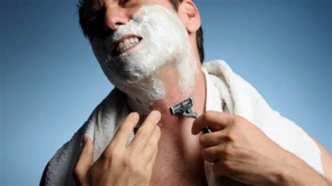 acne caused by shaving picture 1