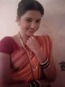 marathi ledy sexi photo with nikar bra picture 5
