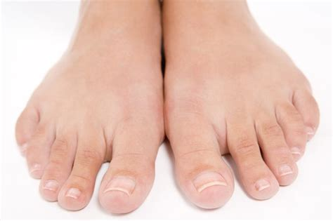 skin under toe picture 1