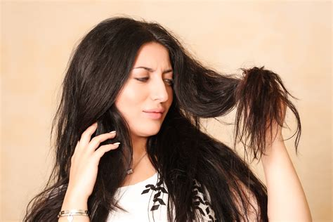 causes of oily hair picture 11