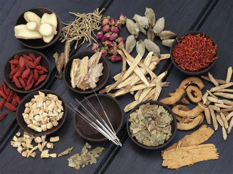 Chinese doctors practicing herbal remedies picture 4