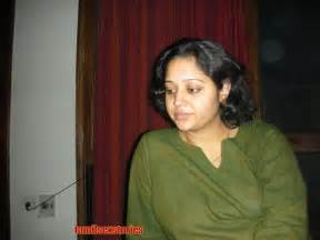 seductive story from south indian aunty picture 5