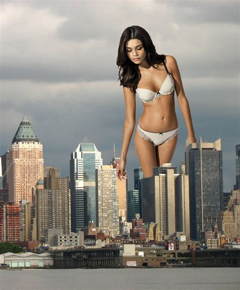 giantess picture 7